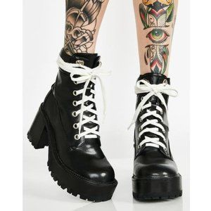 🆕 NIB Current Mood 'Take A Hike' chunky boots